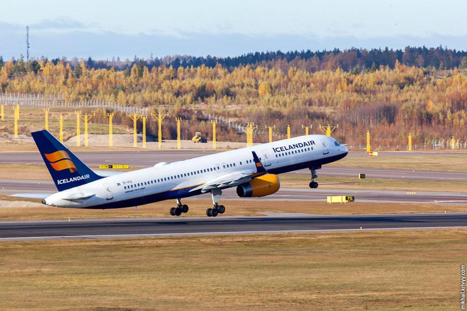 IcelandAir, Boeing 757, TF-FIV.