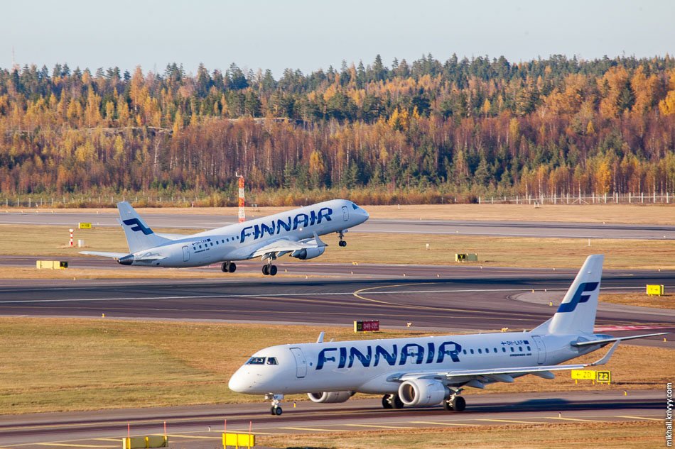 Finnair, Embraer 190 (OH-LKR) и Embraer 190 (OH-LKP).