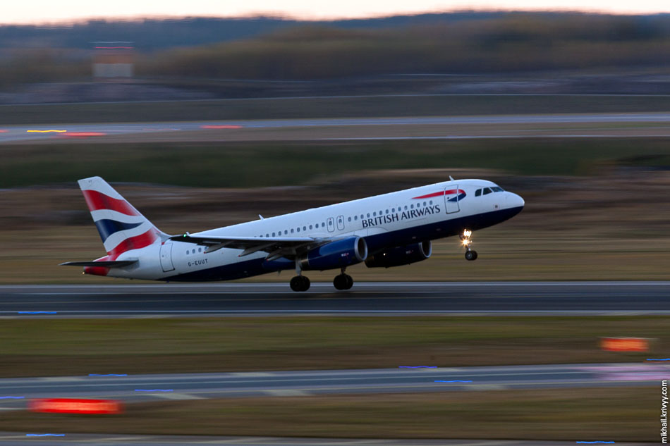 British Airways, Airbus A320, G-EUUT.