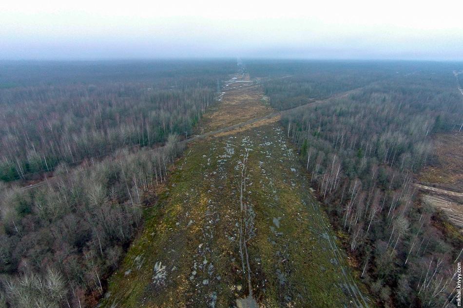 Вид в сторону Санкт-Петербурга. Работы пока не начинались. В этом месте автомагистраль пройдет на насыпи.