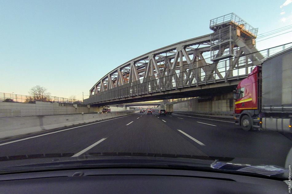 Автострада А4 Турин - Милан - Венеция - Триест в районе аэропорта Бергамо Орио-Аль-Серио.