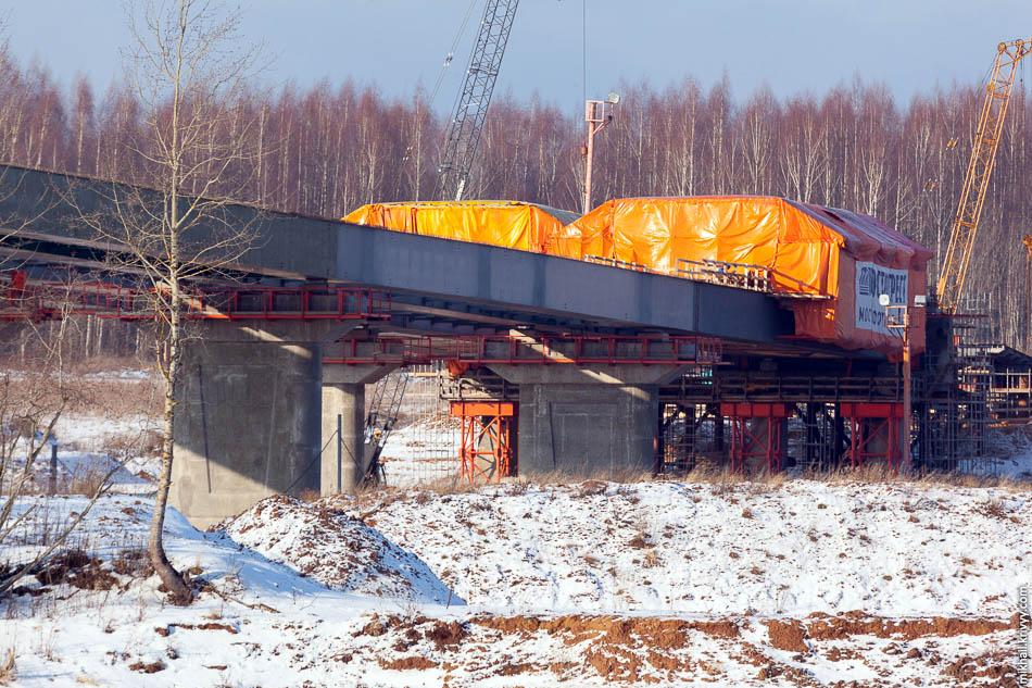 Зимы в этом году фактически не было, что благоприятно сказалось на темпах строительства.