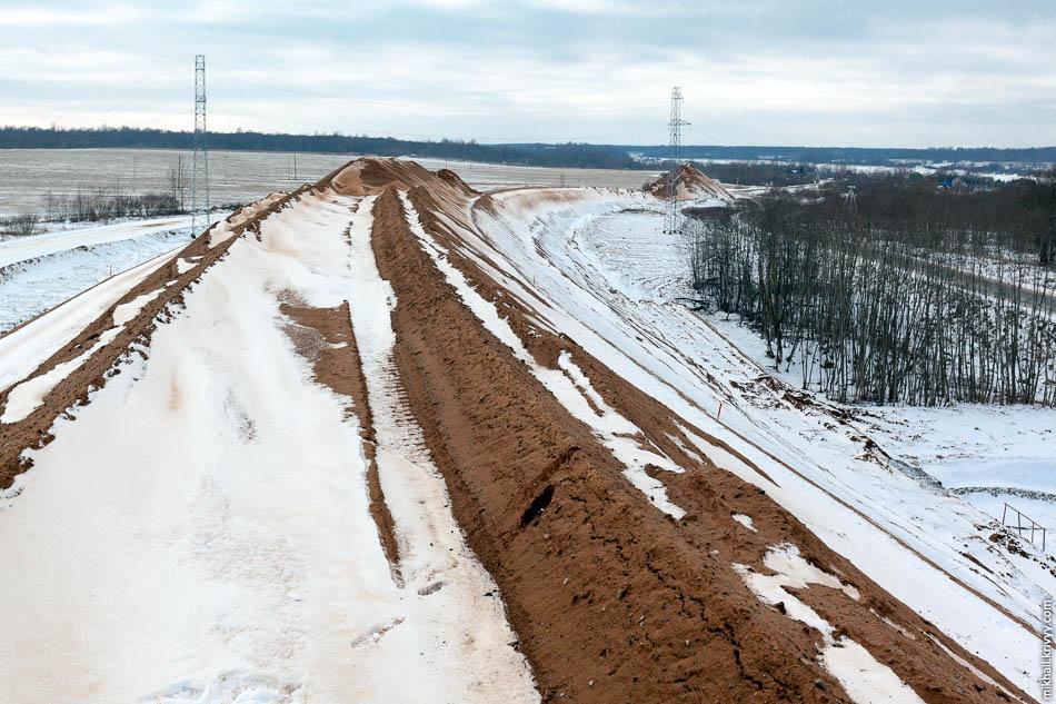 Вид с насыпи путепровода в сторону Великого Новгорода.