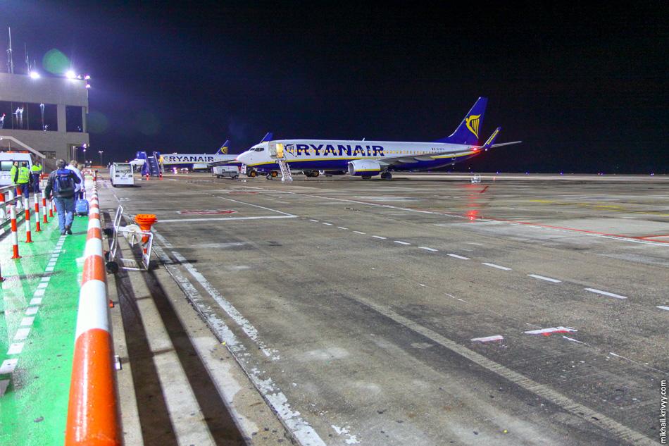 В аэропорту Жироны после этого кадра попросили убрать камеру и удалить фотографии.