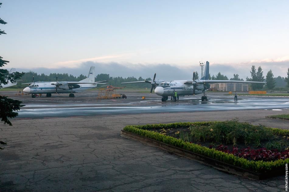 Раннее утро в аэропорту Пскова