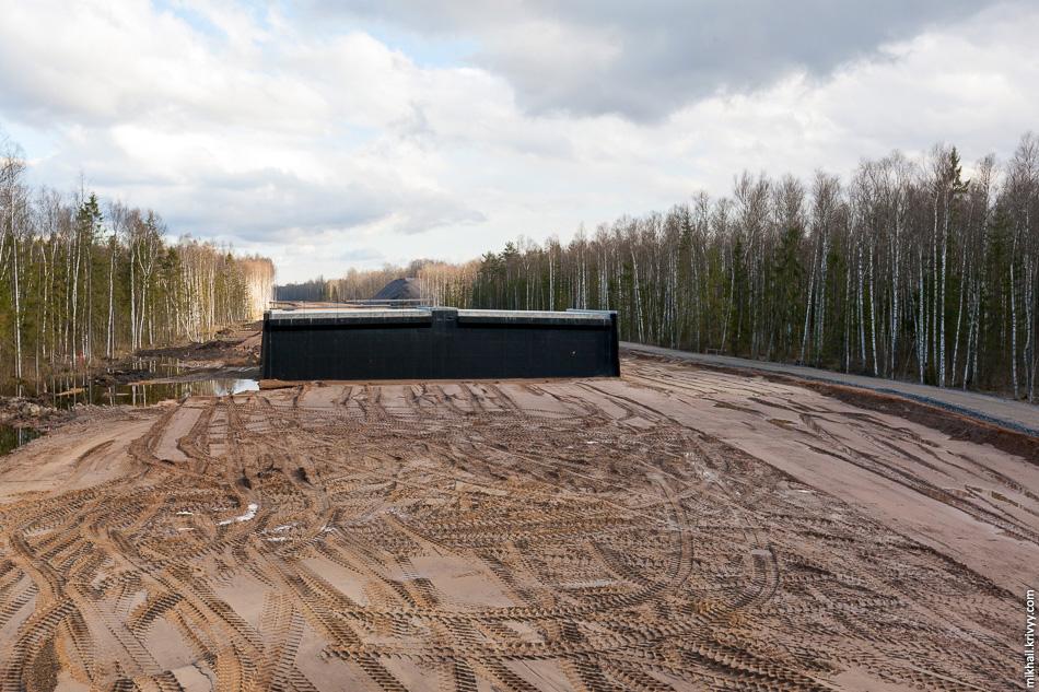 13. Вид в сторону Москвы. Здесь еще один типовой путепровод-зверопроход на км 542,7.