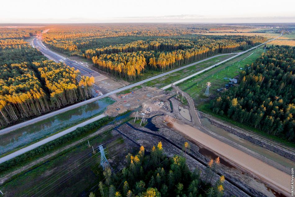 Пересечения с автодорогой Ушаки - Новолисино. Вид в сторону Москвы.