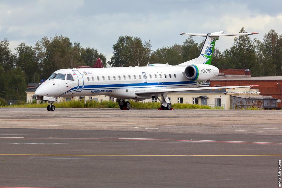 Embraer ERJ 145 авиакомпании «КомиАвиаТранс».