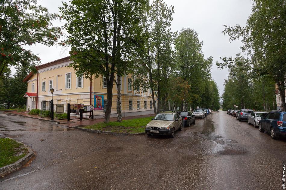 Дом Сухановых. Построен в 1804 по образцовому (типовому) проекту.