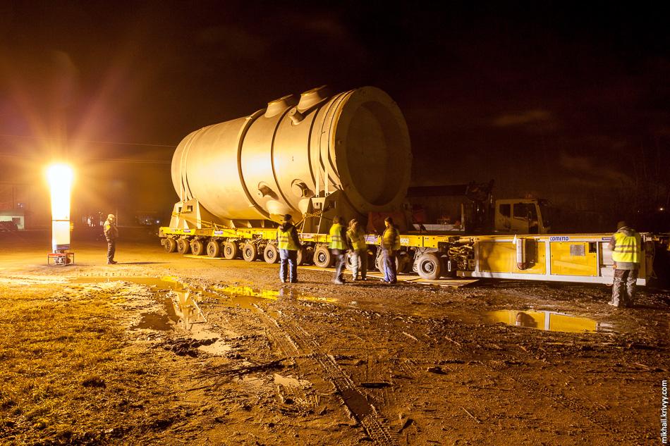 14. Для продолжения транспортировки необходимо было восстановить асфальтовое покрытие на территории товарной станции.