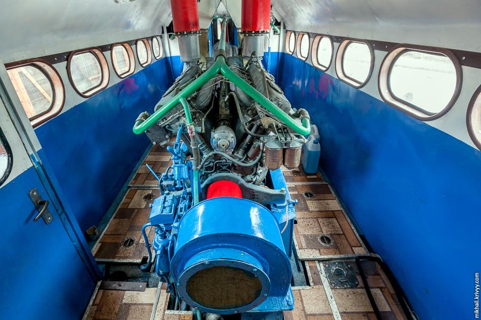 Дизельный двигатель 1Д12 используется на речных и морских судах, маневровых тепловозах и дрезинах, многоосных шасси и гусеничных вездеходах.