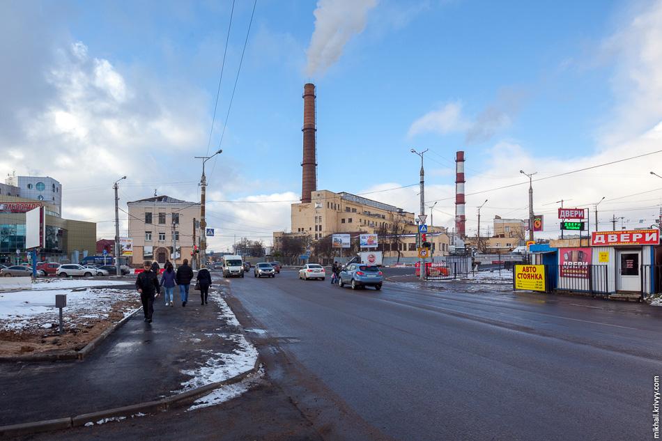 Смоленская ТЭЦ-1. Первый ток станция дала в августе 1933 года. Хороший пример промышленного здания времен ГОЭЛРО.
