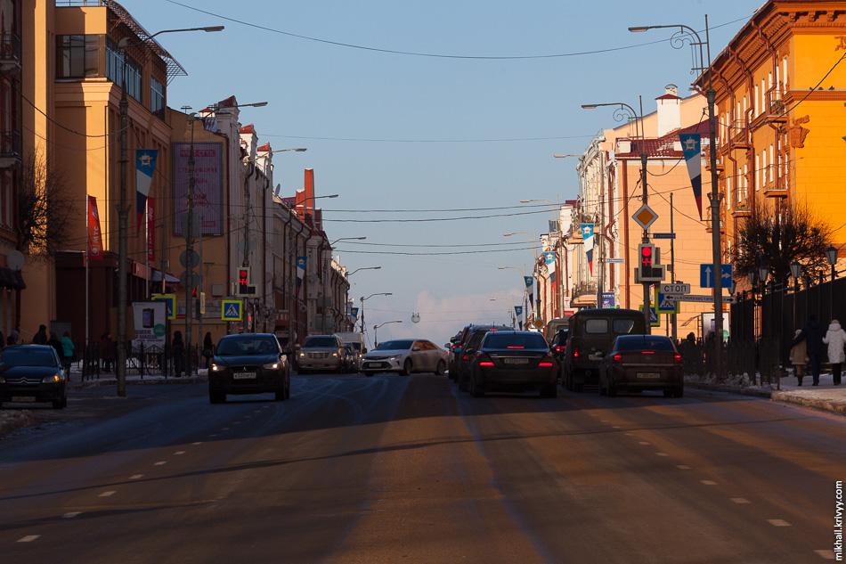 Большая Советская, вид от площади Победы.