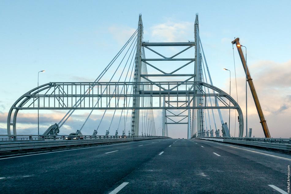 Вантовый мост через Корабельный фарватер.