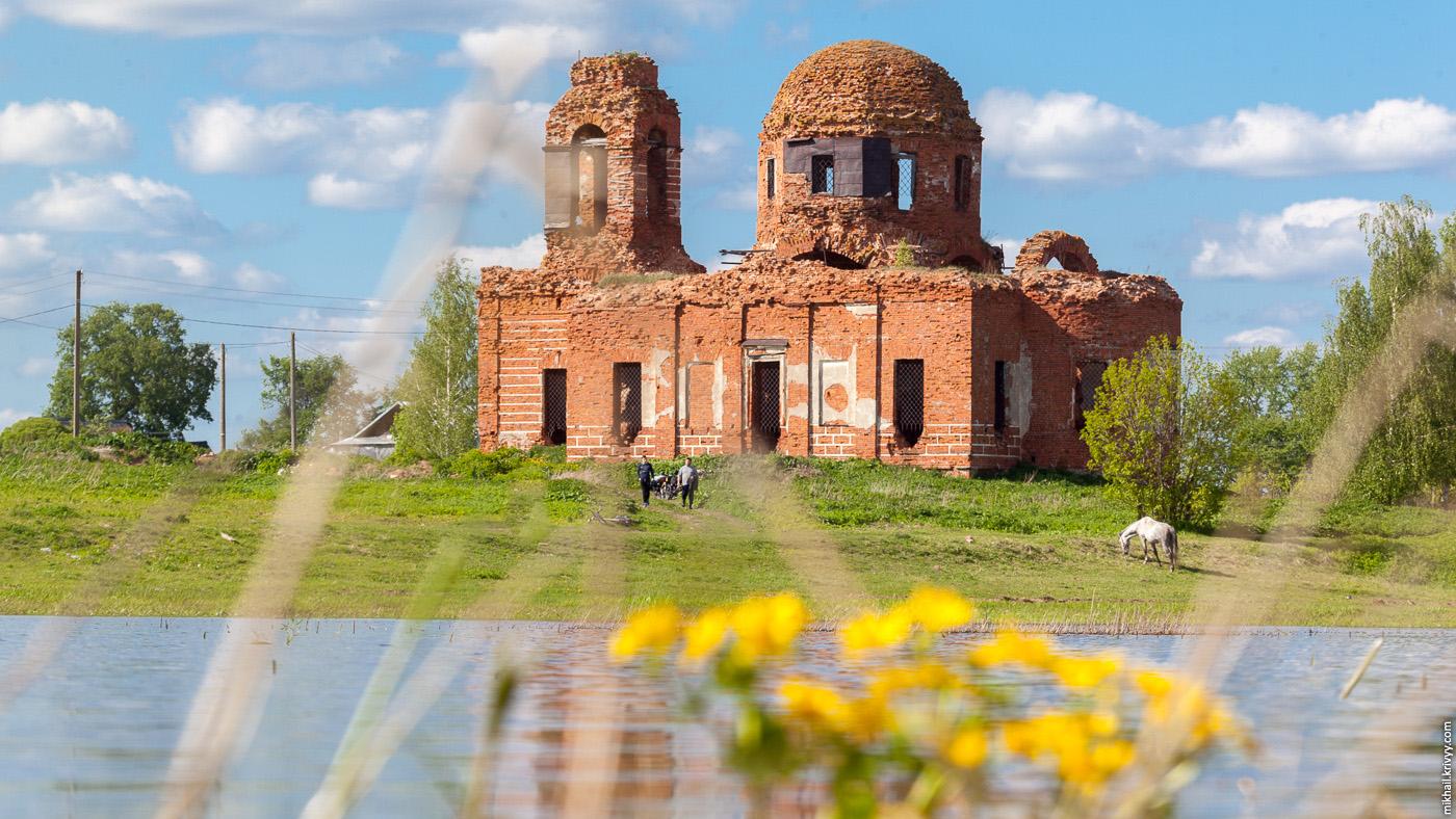 3. Церковь иконы Божией Матери «Знамение». 1824 год. По новгородским меркам, буквально вчера построили.